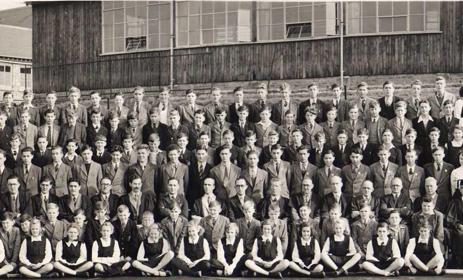 Mike Jones Ford >> Photo of pupils at East Dean Grammar School 1950 - part 2